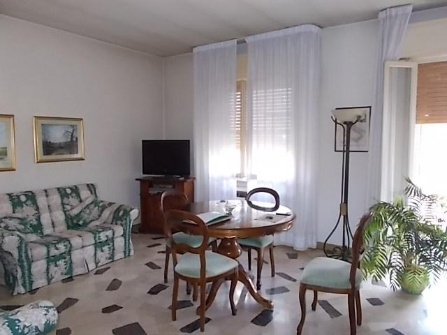 Camere Da Letto Poletti.Ferrara Quadrilocale Con Garage Zona Via Poletti Rif 215 V Rag